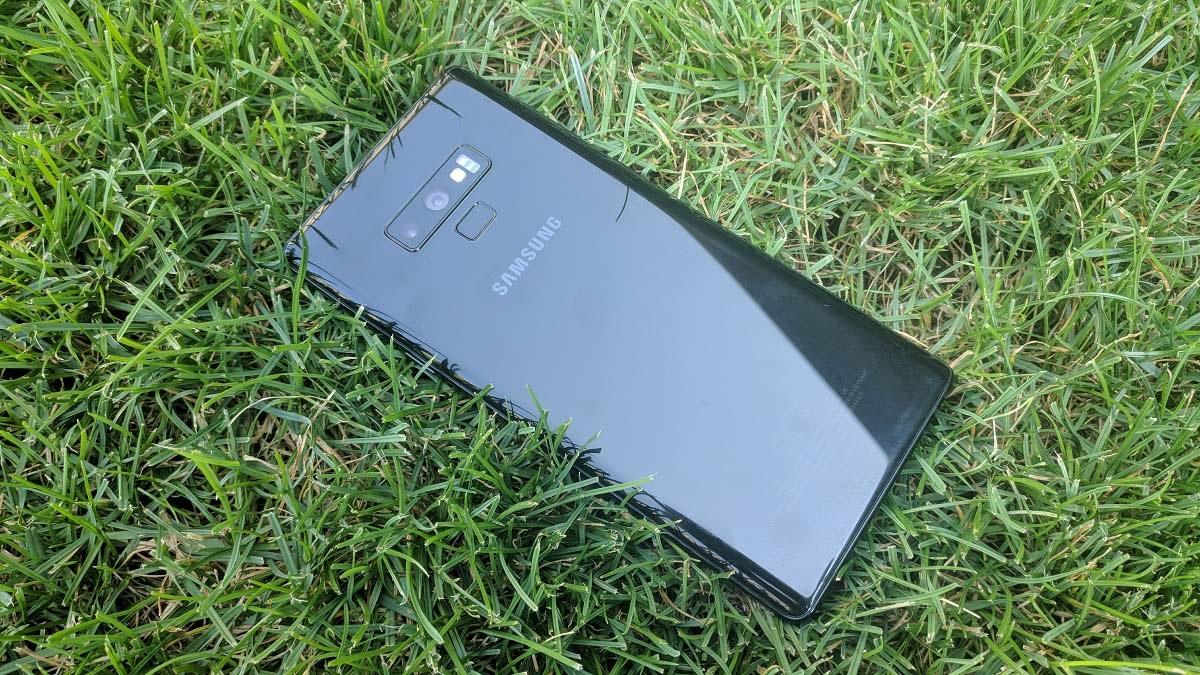 Samsung Galaxy Note9; recenze; fotoaparát; čtečka otisků prstů