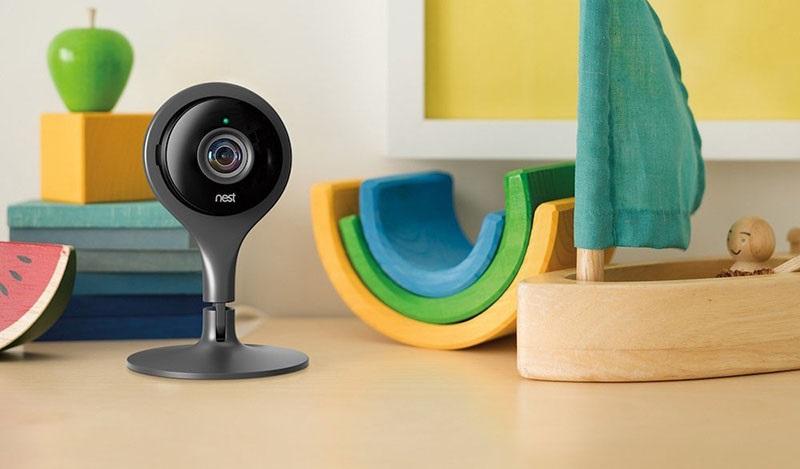 Google Nest Cam Indoor, kovové provedení