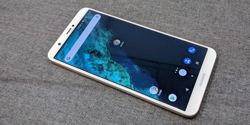Huawei P smart (RECENZE)