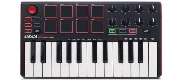 Midi kontroler s klaviaturou a pady
