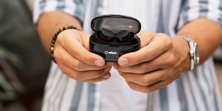 Sluchátka potěší svým jednoduchým designem