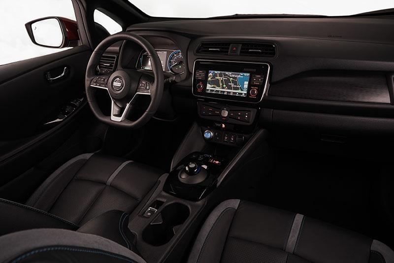Nový Nissan Leaf,interiér, palubní deska