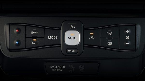 Nový Nissan Leaf, interiér, klimatizace