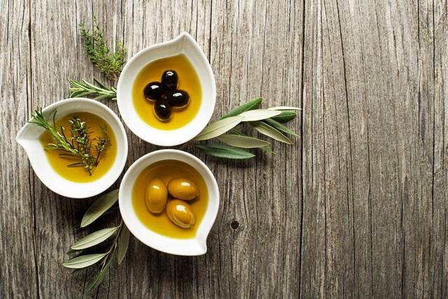 Olivový olej pro vytvoření vlasové masky