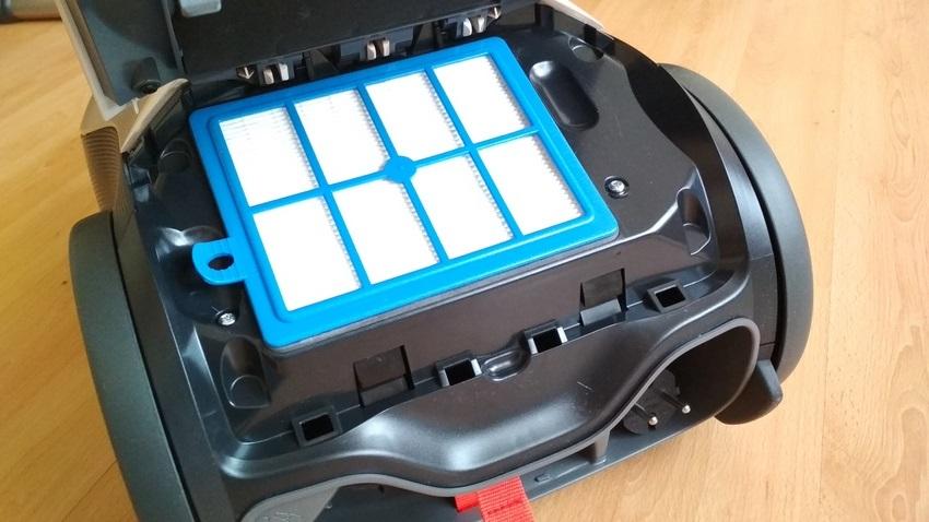 Electrolux PURE D9 na tvrdých podlahách