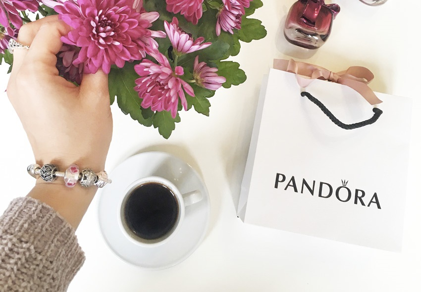 Náramek Pandora si můžete sestavit z korálků 0ecd09b5523