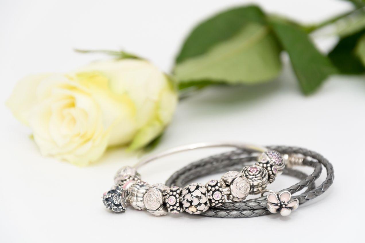 Nově prodáváme i šperky Pandora  43ae7f4ae3e