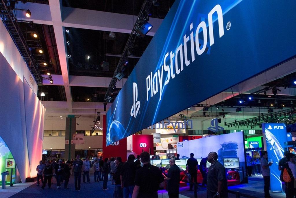PlayStation 5; screenshot: E3 show floor