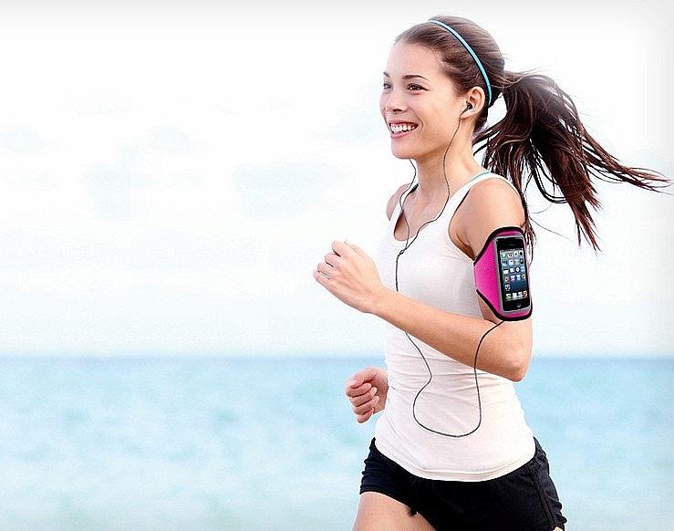 Běžkyně; mobil; pouzdro na paži