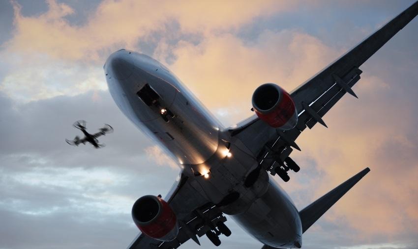 Pravidla pro drony - zákaz létání kolem letišť.