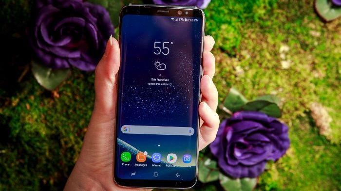 Samsung Galaxy S8 Zepředu
