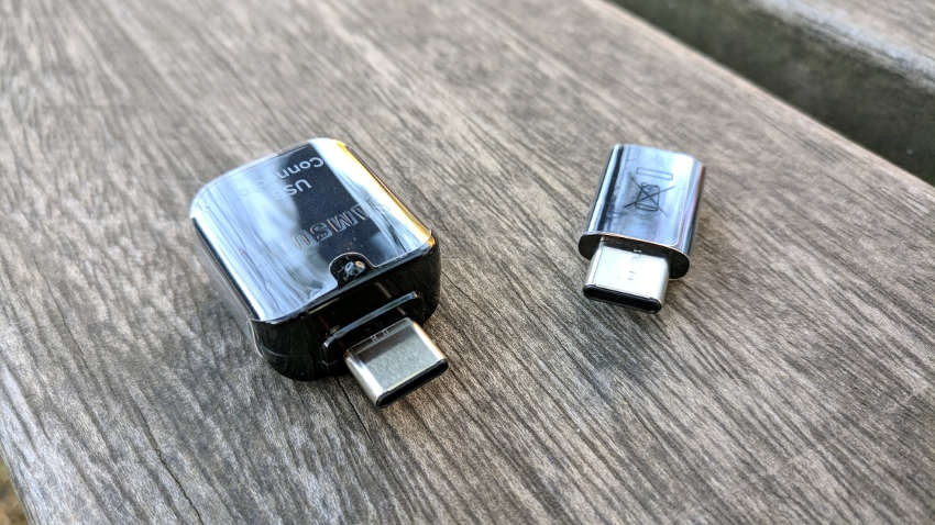 Samsung Galaxy S9; redukce USB-C na USB-A