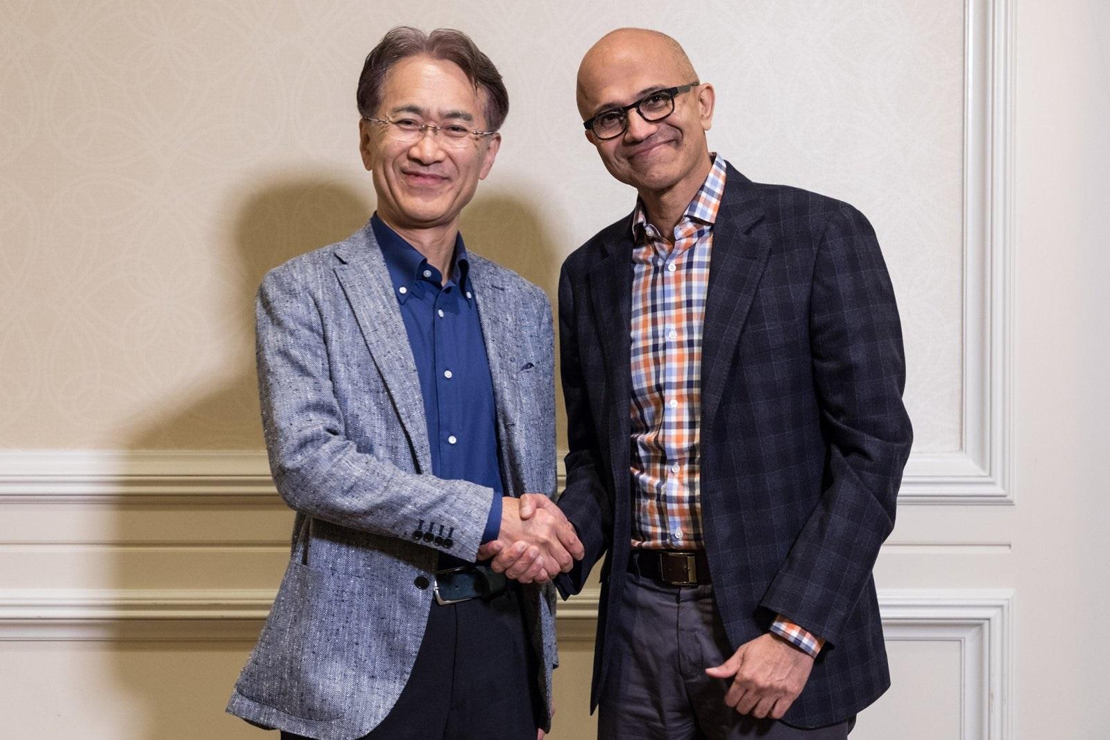 Microsoft a Sony spolupráce; screenshot: Satya Nadella, Kenichiro Yoshida