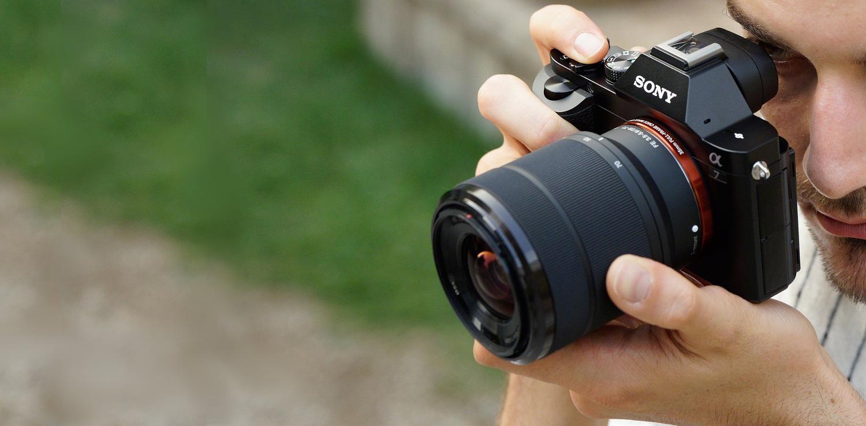 Řada fotoaparátů Sony Alpha 7 – první plnoformátové bezzrcadlovky s výměnnými objektivy