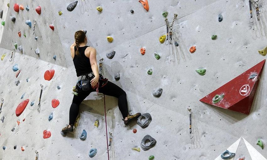 Umělá lezecká stěna