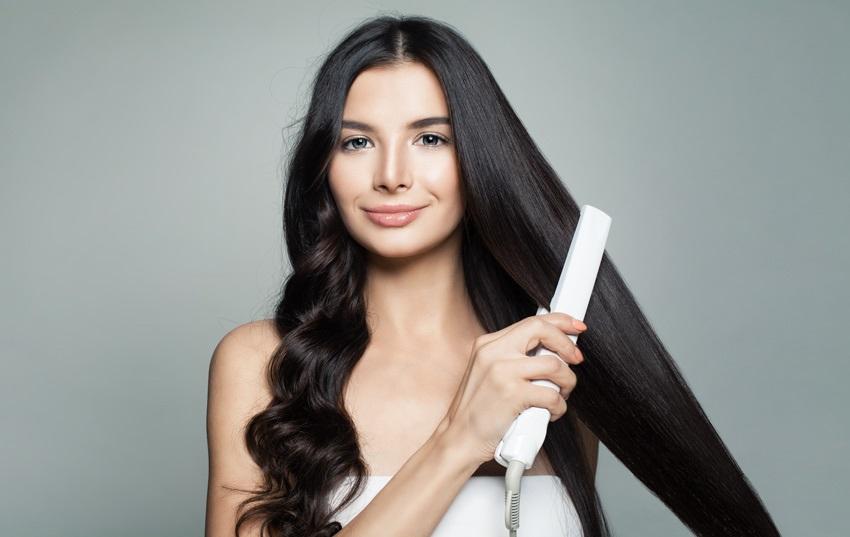 Kudrnaté vlasy pomocí žehličky na vlasy d0e38af7fcd