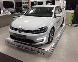 Volkswagen e-Golf, showroom Alza, Praha - Holešovice