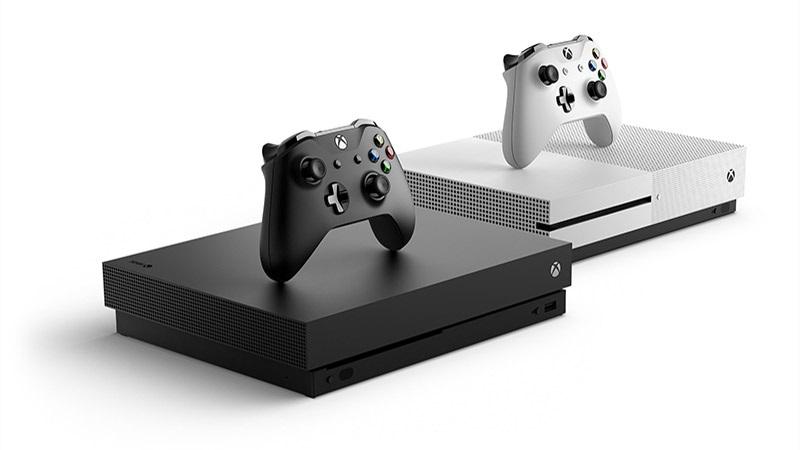 Xbox One X, bílá a černá varianta