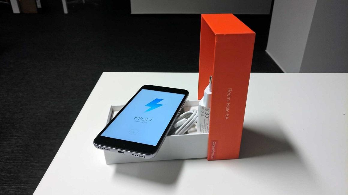 Xiaomi Redmi Note 5A příslušenství v balení