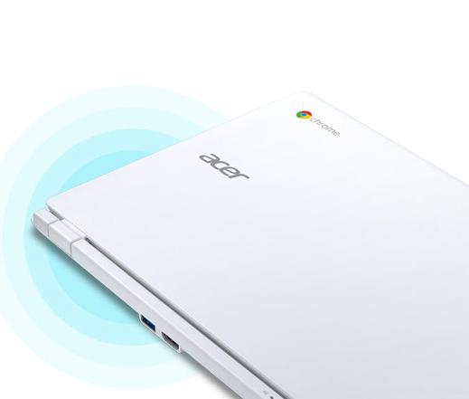 Acer Chrombook zavřený zezadu na modrém pozadí