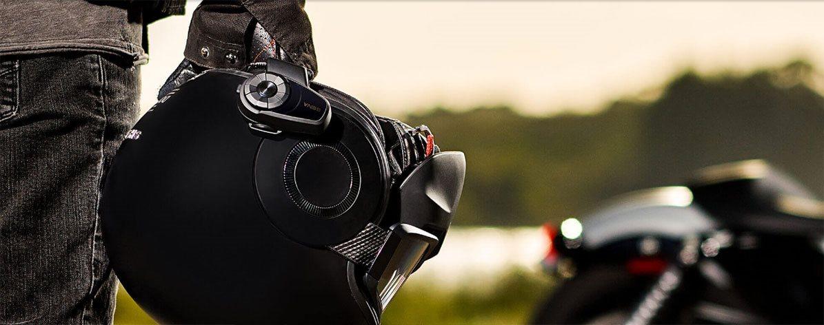 Bluetooth interkom na motorkA!A?skou pA?ilbu