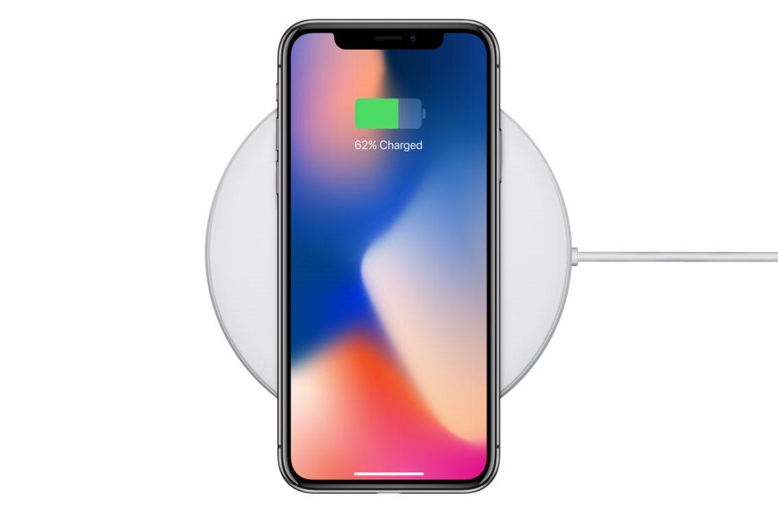 Mobilní telefon iPhone X, bezdrátové nabíjení