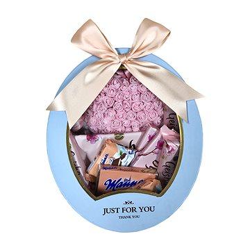 Dárkový box se srdcem z růžových růžiček a Geisha dobrotami 29,5 cm - Dárkový box