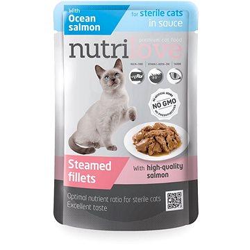 Nutrilove dušené filetky sterilní losos v omáčce 85g - Kapsička pro kočky