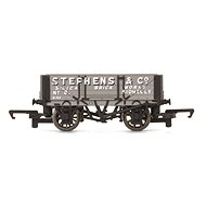 Vagón nákladní HORNBY R6746 - 4 Plank Wagon 'Stephens & Co.'