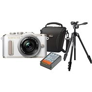 Olympus PEN E-PL8 bílý + Pancake objektiv ED 14-42EZ stříbrný + Olympus Starter Kit - Digitální fotoaparát