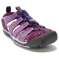 KEEN CLEARWATER CNX W grape wine/grape kiss - Sandals