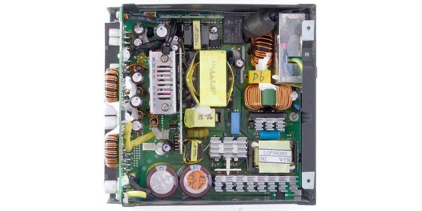 počítačový ATX zdroj – zevnitř