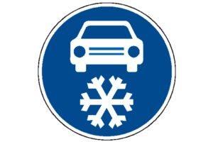 Povinná zimní výbava: Dopravní značka