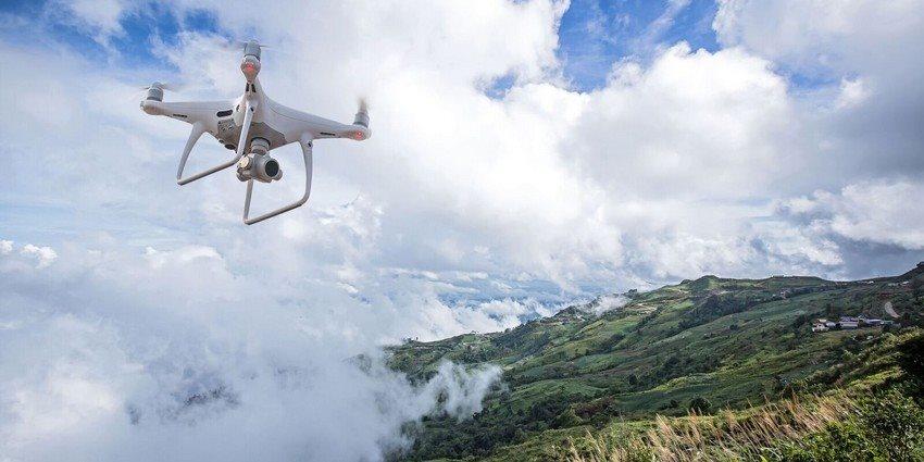 První let s dronem