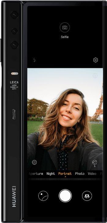 Huawei Mate X Selfie