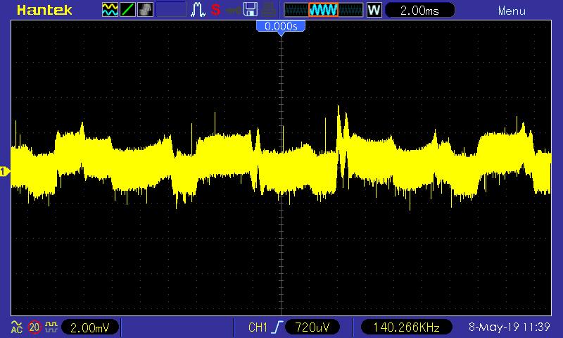 Zvlnění +5V SB větve, 2 A zátěž; Seasonic SSR-600TL