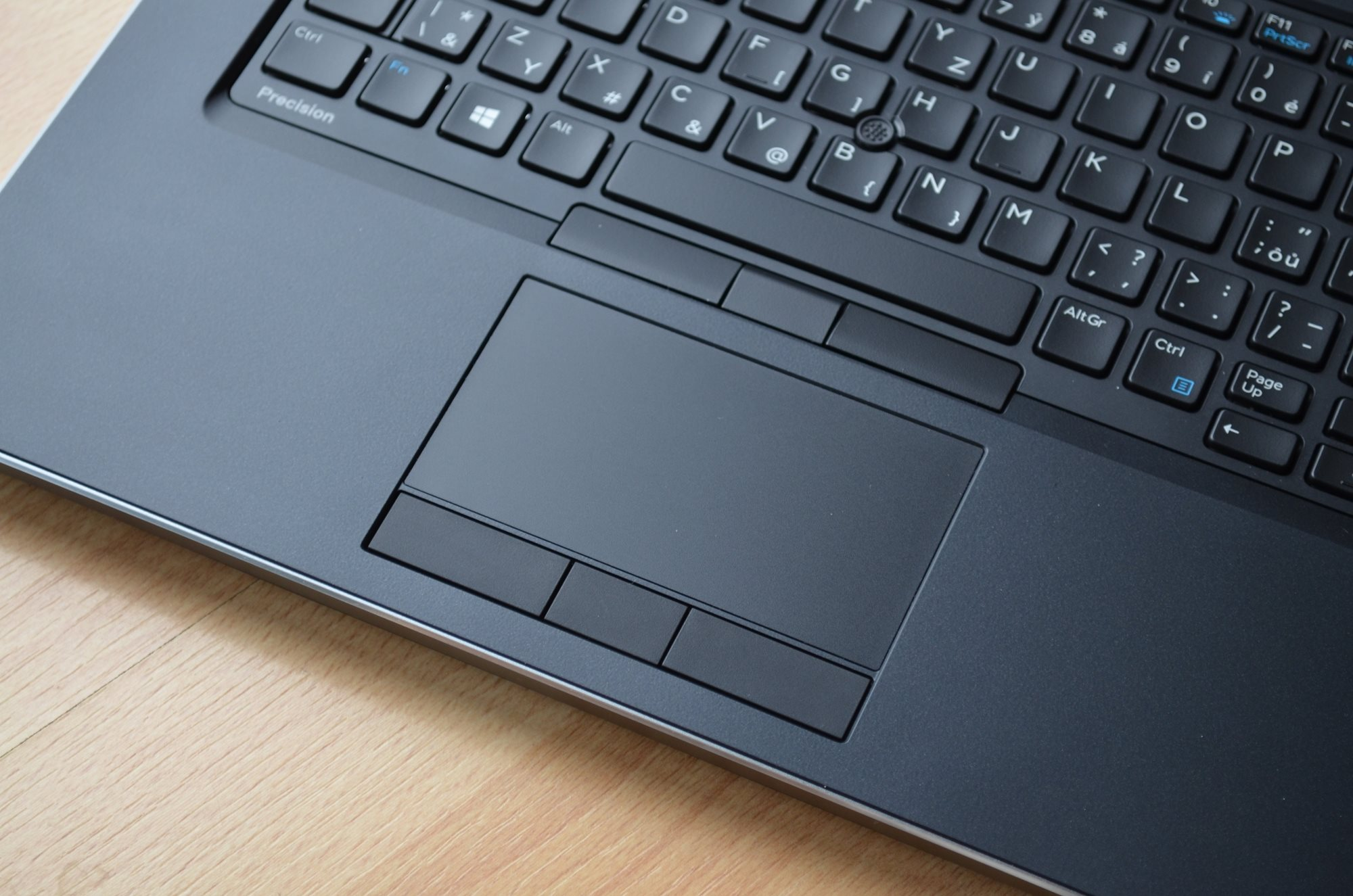 Touchpad a PointStick Dell Precision 7730 R11CM.
