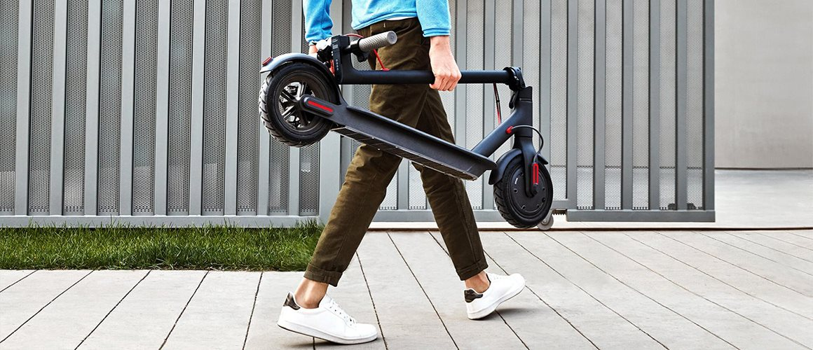 Xiaomi Mi Electric Scooter Pro; preview