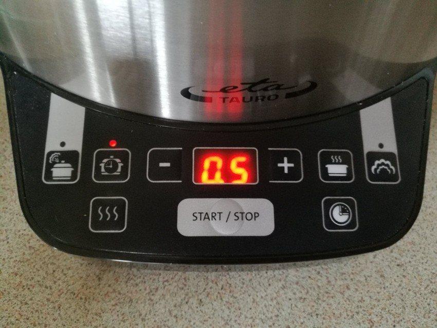 Praktické a jednoduché ovládání mixéru Concept SM-3050 Fresh&Nutri