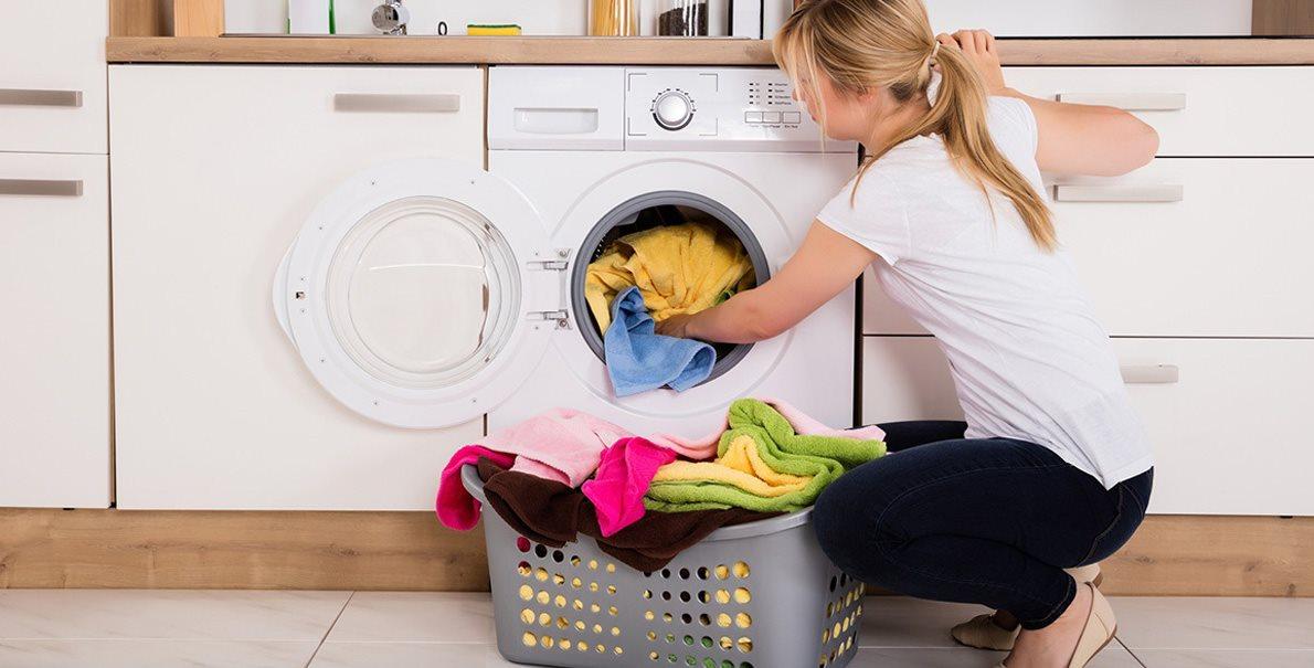 Parní pračky a sušičky zbaví vaše prádlo alergenů, bakterií a virů