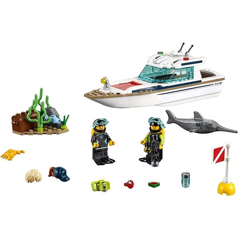 LEGO City 60221 Potápěčská jachta - LEGO stavebnice
