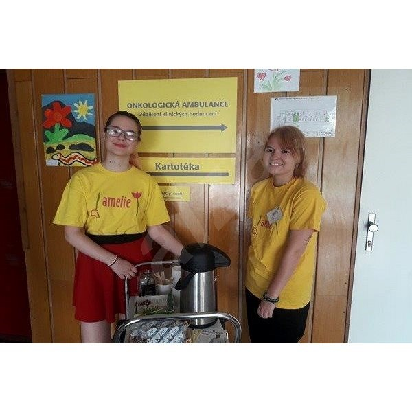 Amelie volunteers help to live a life of cancer patients - Charity Project
