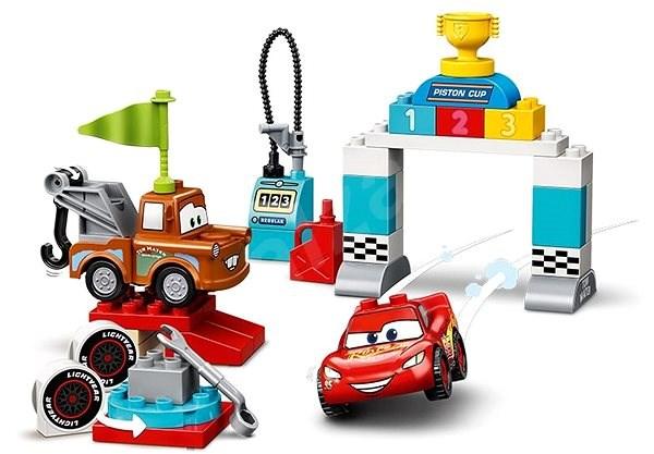 LEGO DUPLO Cars TM 10924 Závodní den Bleska McQueena - LEGO stavebnice