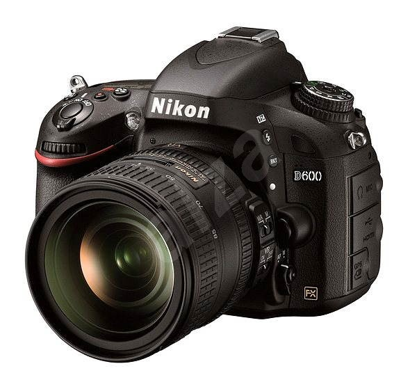 Nikon D600 + Objektiv 24-85 AF-S VR - Digitální zrcadlovka