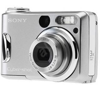 Sony CyberShot DSC-S90/S - stříbrný, 4.23 mil. bodů, optický / digitální zoom 3x / až 10x, 32 MB int - Digitální fotoaparát