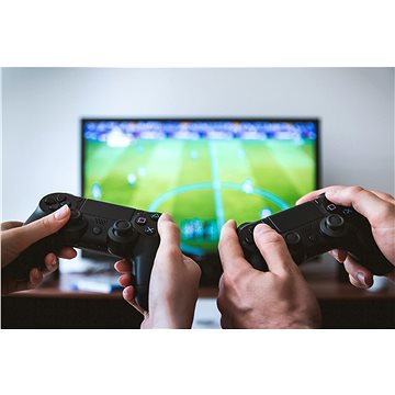 Pronájem Herní konzole PS4 + 2 her na 1 týden až pro 4 hráče